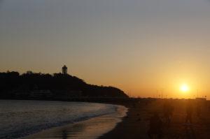 江ノ島に沈む夕陽